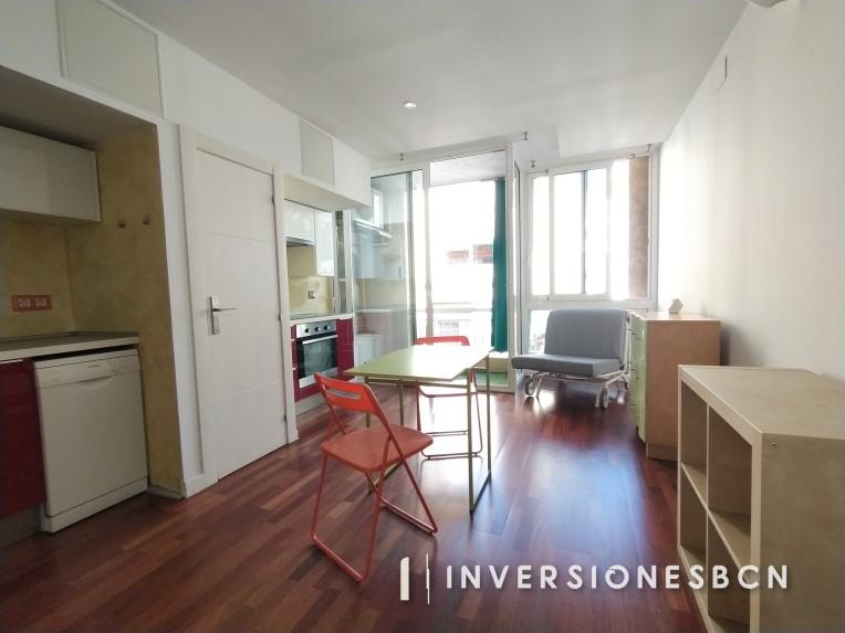 Apartment in La Bordeta, Riera de Tena street