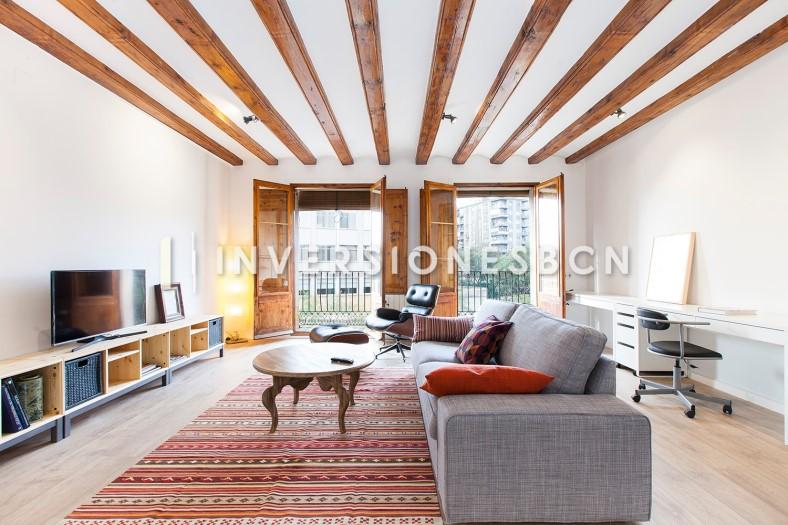 Apartment for sale in El Raval, de l'Est Street
