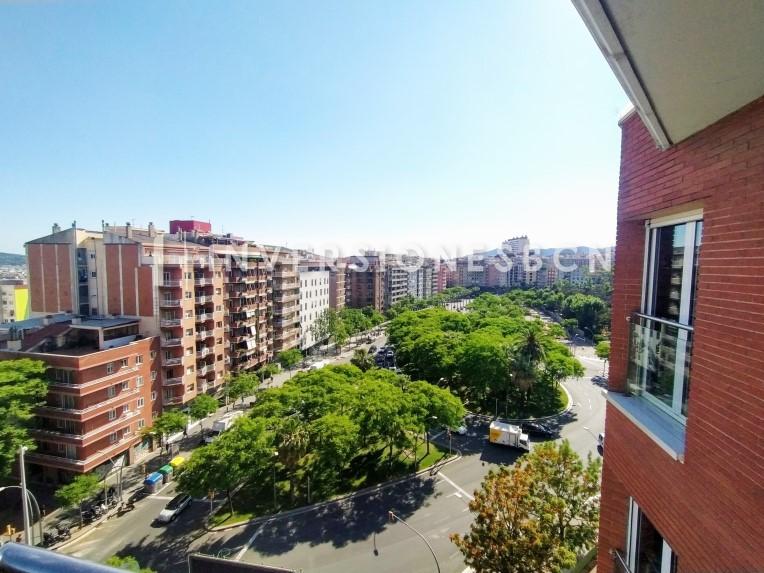 Duplex apartment in Baix Guinardó, on Thous street (5º piso)