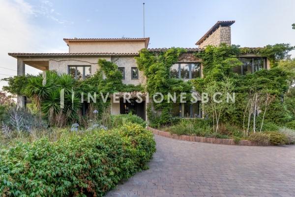 Luxury villa close to Vallvidrera, Molins de Rei a Caldes