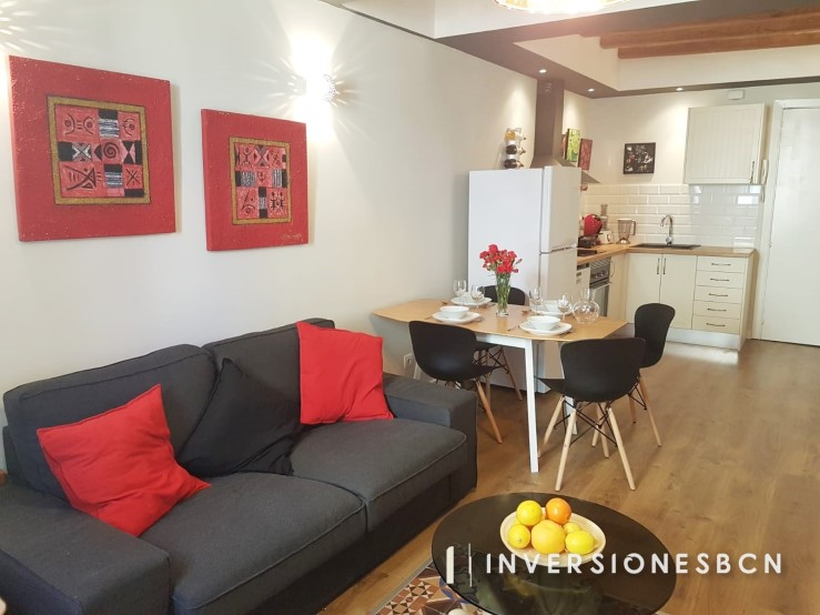 Apartment in El Raval, on Cardona street