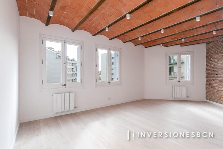 Renovated apartment in Sagrada Familia, on Córsega street