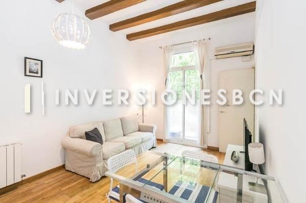 Furnished apartment in Sant Antoni, on Villarroel street