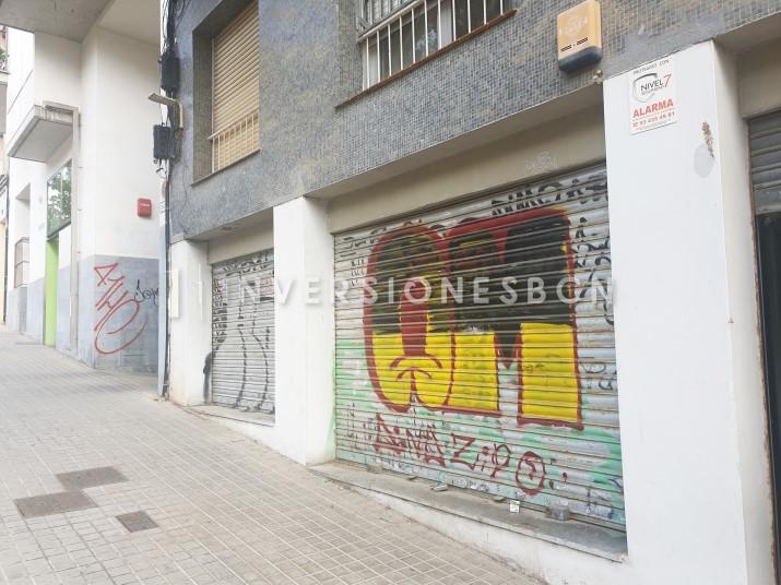 Commercial premises in El Guinardó, on Escornalbou street