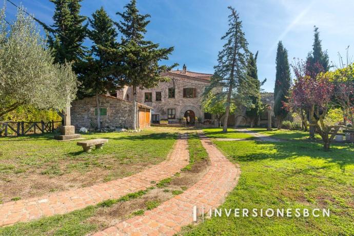 Exclusiva masia a Sant Quirze Safaja